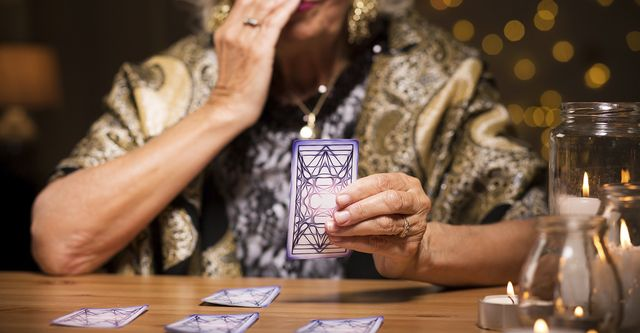 Why You Never See Tarot Card Reading Works